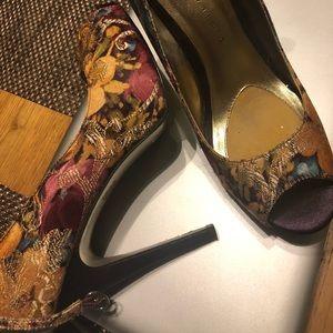 Martinez Valero heels size 8